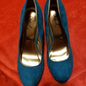 Qupid High Heel Shoes Size 6
